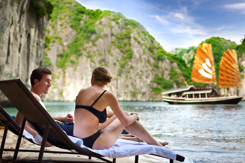 Emerald Hanoi hotel luxury honey moon package