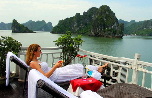 Discover Hanoi & Golden Garden Halong bay